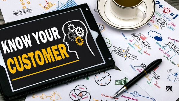 Simi tracking application to get to know your customer better